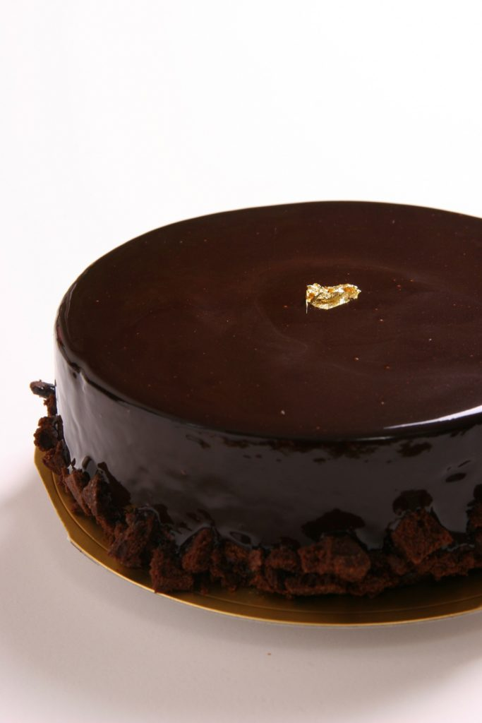 2 Incredibly Delicious Chocolate Cake Recipes For You
